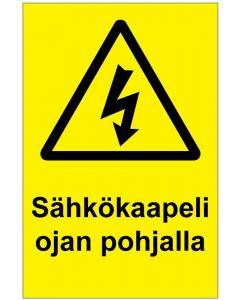 Sähkökaapeli ojan pohjalla