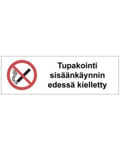 Tupakointi sisäänkäynnin edessä kielletty SK